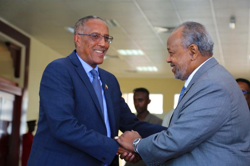 Muuse Biixi iyo Ismaaciil Cumar Geele | Somalidiasporanews.com